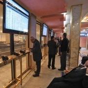 مزایای بورس برای شرکتهایی که سهامشان در بورس عرضه میشود.
