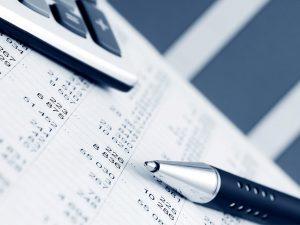 منظور از گزارش مالی، بازنمایی اطلاعات طبقهبندیشده درباره وضعیت و عملکرد مالی و انعطافپذیری آن میباشد، بهگونهای که بتوان از آن در اتخاذ تصمیمات مالی سودمند بهره برد.