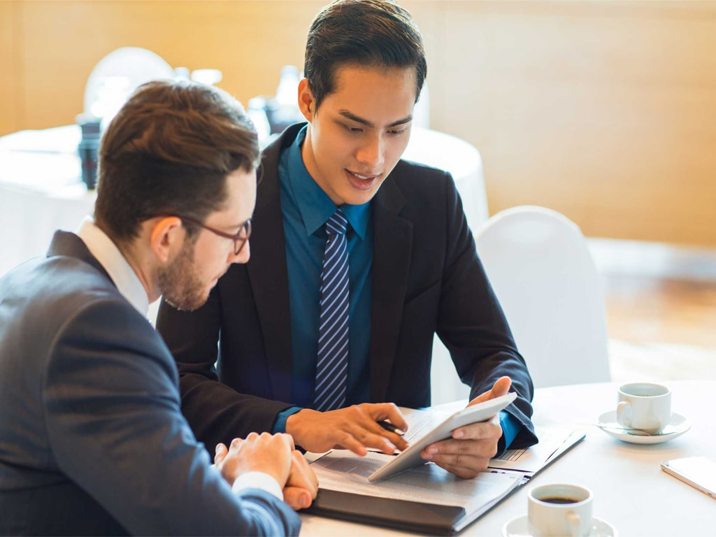 توصیههای مهم افراد موفق برای سرمایهگذاری در بورس